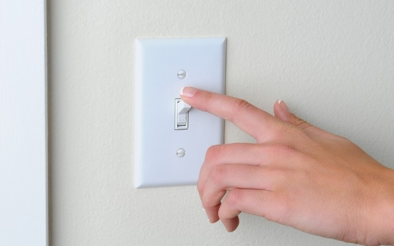 4 Signs It's Time To Replace Your Light Switch